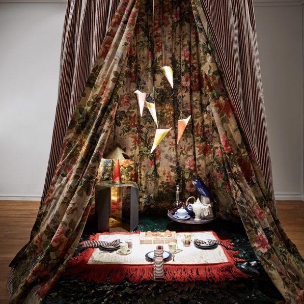 Royal Copenhagen Christmas Tables - Helene Blanche